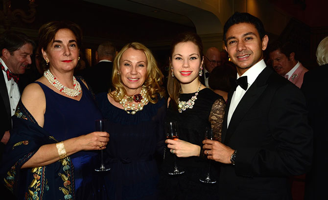 Iliana Moore, Susan Sterling with Manon and Rameez Saleh