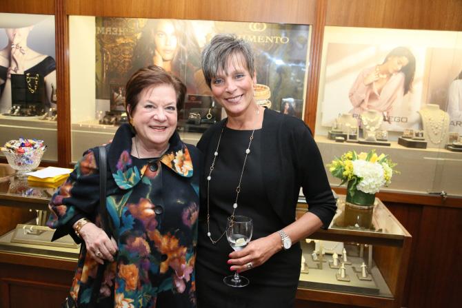 Ellie Becker, Roberta Chiappelloni
