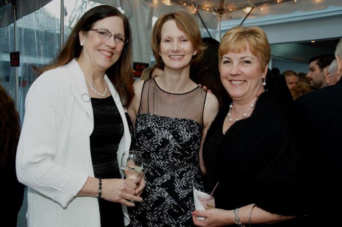 Peggy Dannemann, Laura Turner, Renee Fjeldal