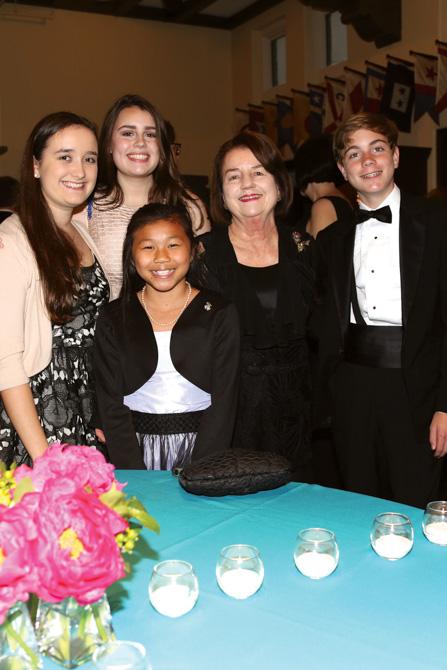 Marion Murphy, Katherine Bruce Dawson, Robin Murphy (front), Marnie Dawson Carr, William Dawson