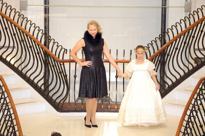 Fashion Show:  Heidi Sontag, Blair Sontag