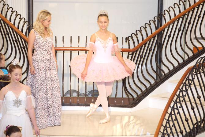 Fashion Show:  Regina Kudoyarova, Michelle Fedotova