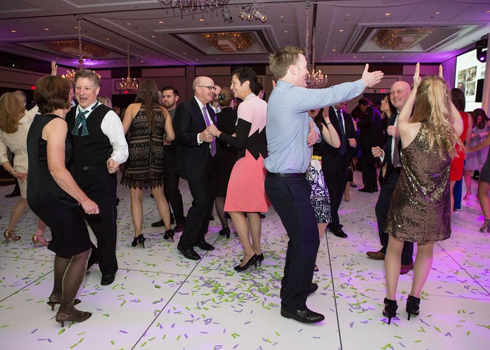 14)Dancing
