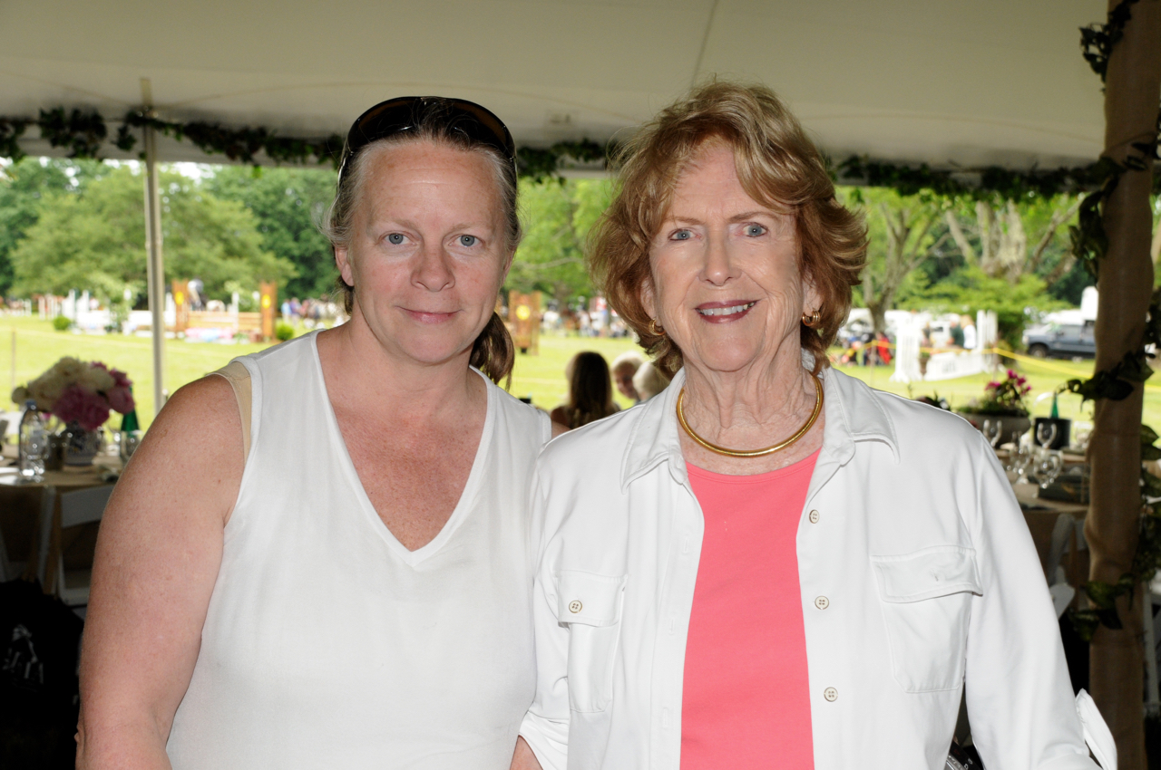 Kim Gregory, Donna Moffly