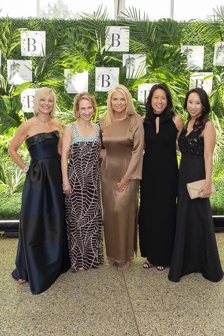 Avril Graham, Whitney Rosenberg, Shelly Tretter Lynch, Kim Kassin, Katie Fong Biglin