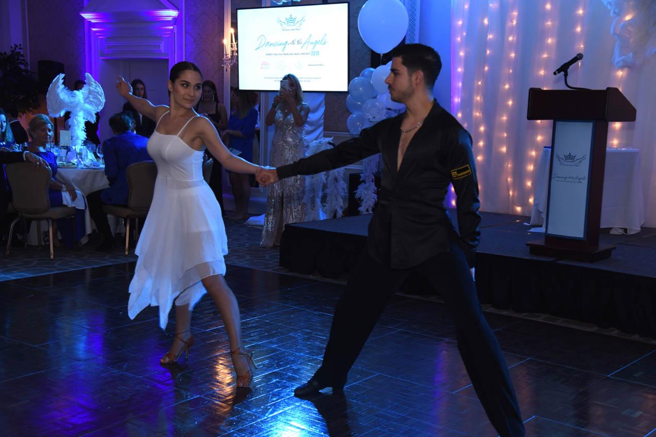 Dancers (Giovanna Darvino, Francesca Vari)