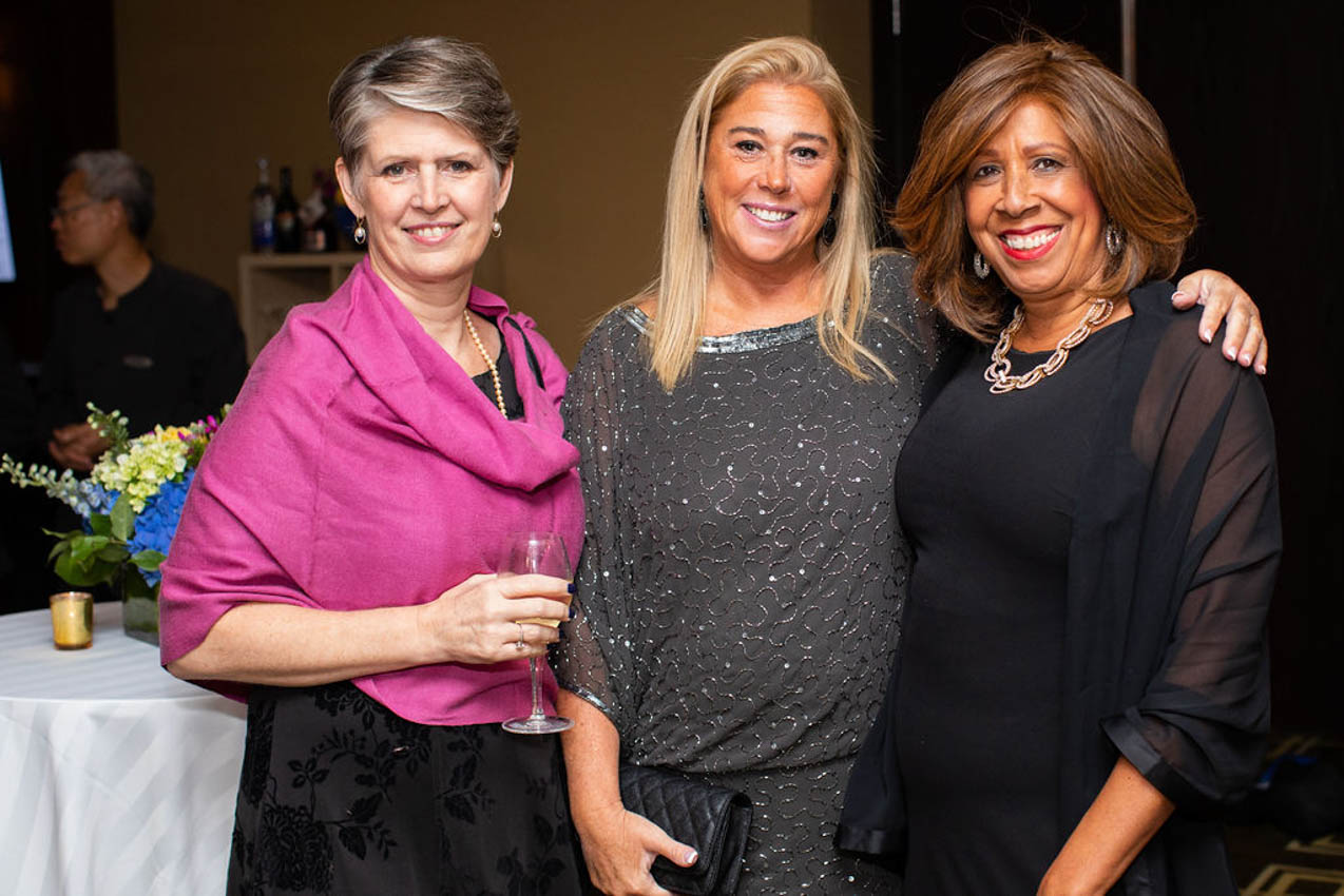 Susan Cassidy, Kelly Feda, Peggy Jordgenssen